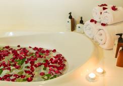 로얄 푸켓 시티 호텔 - 푸켓 - 욕실