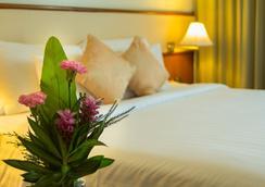 로얄 푸켓 시티 호텔 - 푸켓 - 침실