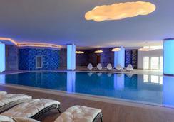 호텔 윈덤 그랜드 이스탄불 유럽 - 이스탄불 - 수영장