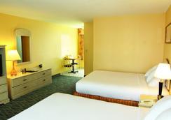 Perry's Ocean Edge Resort - 데이토나비치 - 침실