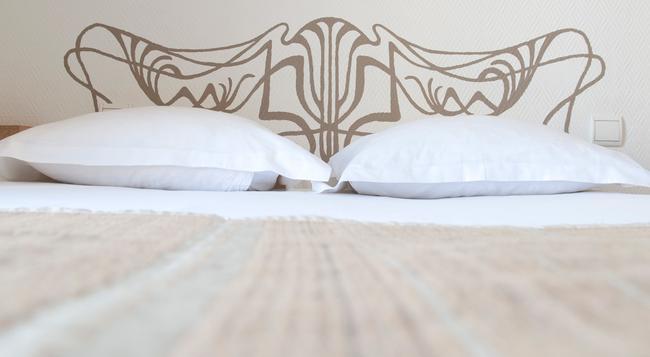 코너 몽파르나스 호텔 - 파리 - 침실