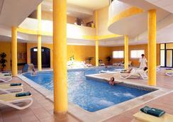 Grand Muthu Golf Plaza Hotel & Spa - San Miguel de Abona - 수영장