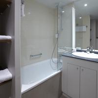 시타딘 레 알 파리 Bathroom