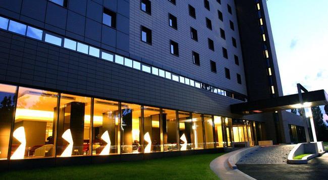 라마다 플라자 부카레스트 컨벤션 센터 호텔 - 부쿠레슈티 - 건물