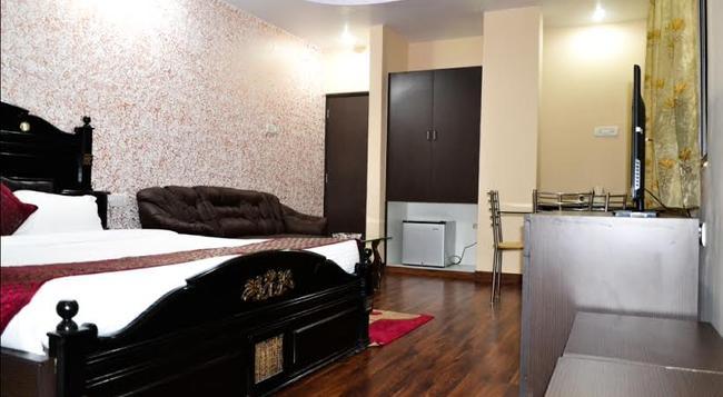 호텔 블루스 시바릭 - Ranchi - 침실