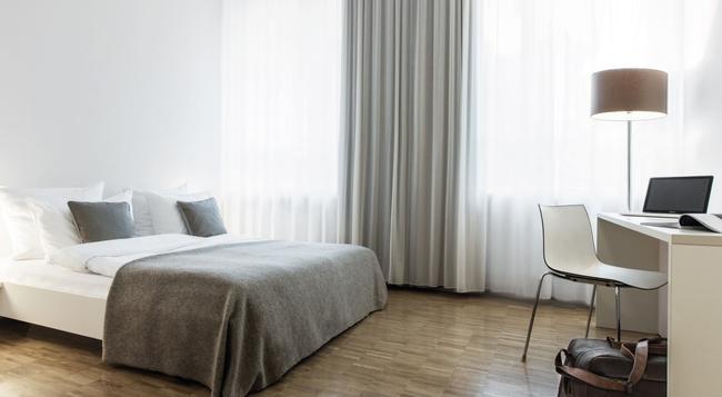 호텔로 F22 - 뮌헨 - 침실
