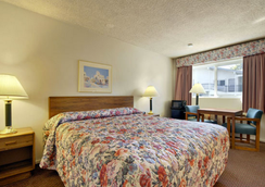 Ramada San Luis Obispo - 샌루이스오비스포 - 침실