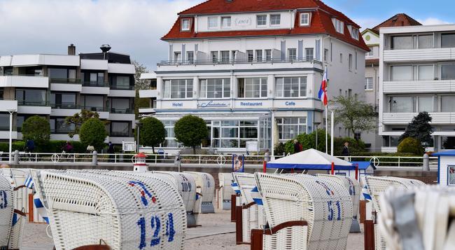 Hotel Strandschlösschen - 뤼베크 - 건물