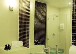 반 우돔 - 방콕 - 욕실