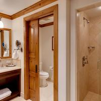 Willows Condos Vail Bathroom