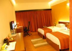 돌핀 호텔 - Visakhapatnam - 침실