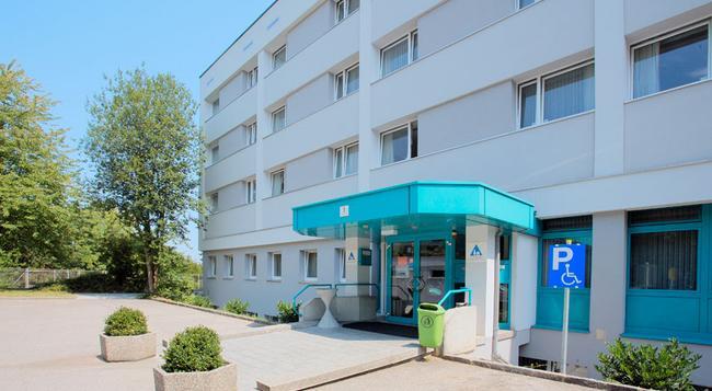 Jugendgästehaus Linz - 린츠 - 건물