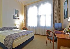 Hotel Viktoria - 쾰른 - 침실