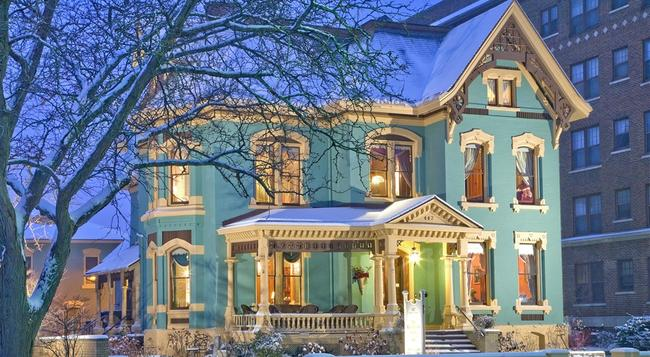 The Kalamazoo House Bed & Breakfast - 캘러머주 - 건물
