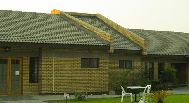 Senthaga Guest House & Safaris - Maun - 건물