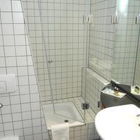 호텔 알렉산더 플라자 Bathroom