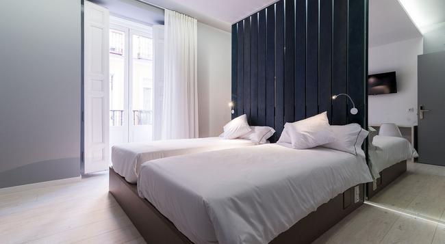 B&B 호텔 푸엔카랄 52 - 마드리드 - 침실