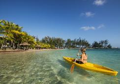 Fantasy Island Beach Resort - 로아탄섬 - 관광 명소