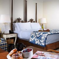 Inn at Pelican Bay Guest room