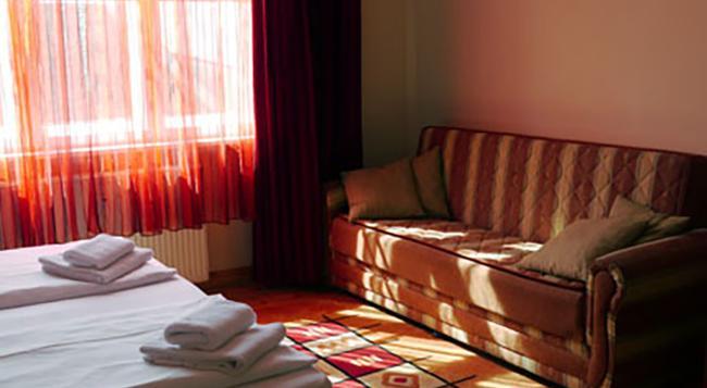 호텔 아스트리드 암 쿠르푸에르스텐담 - 베를린 - 침실