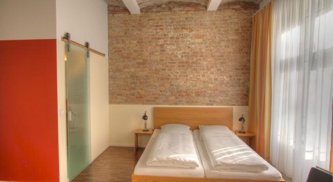 Hotel Johann - 베를린 - 침실