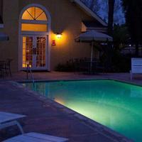 체이스 스위트 호텔 브레아 Outdoor Pool