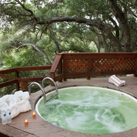 Sycamore Mineral Springs Outdoor Spa Tub