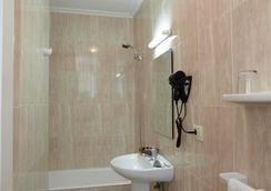 호텔 판톤 - 비고 - 욕실
