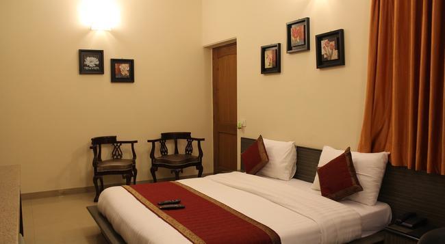 호텔 페르소나 인터내셔널 - 뉴델리 - 침실