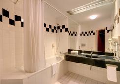 호텔 티트리노 - 프라하 - 욕실
