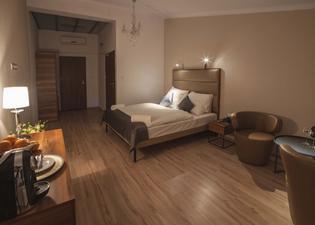 Pergamin Royal Apartments