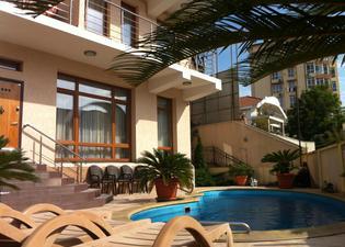 Aks Hotel
