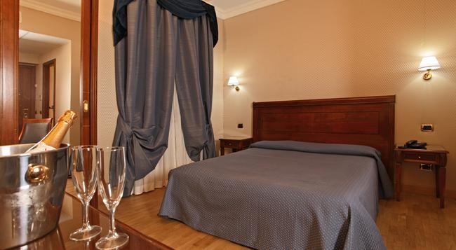 호텔 몬테카를로 - 로마 - 침실