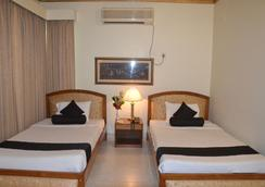 Hotel De Crystal Crown - Dhaka - 침실