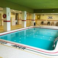 디 오크스 호텔 오버루킹 더 폴스 Indoor Pool