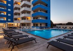 Ibiza Heaven Apartments - Sant Jordi de ses Salines - 수영장