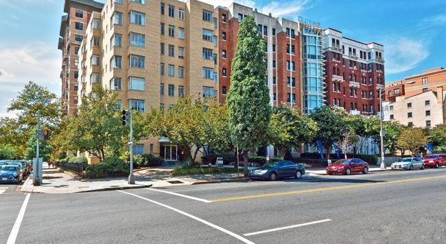 Ginosi Potomac Apartel - 워싱턴 - 건물