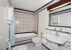 마시아 그란 라르 - 세비야 - 욕실