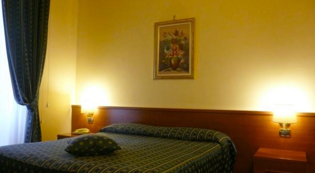 호텔 페니시아 - 로마 - 침실