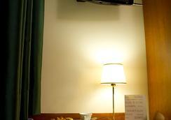 호텔 컨티넨털 - 레조디칼라브리아 - 침실