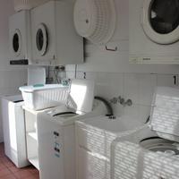 투웡 센트럴 모텔 아파트먼트 Laundry