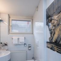 호텔 뉴토어 Bathroom
