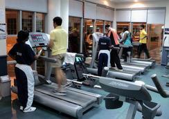 메이페어 호텔 - Dar Es Salaam - 체육관