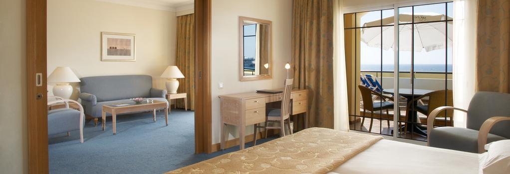 Porto Santa Maria Hotel - 푼샬 - 침실