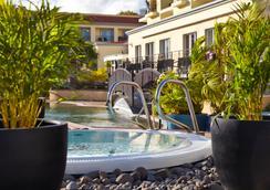 Porto Santa Maria Hotel - 푼샬 - 수영장