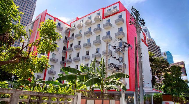 레드 플래닛 호텔 아속 방콕 - 방콕 - 건물