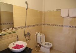 페리 홈스테이 - 호이안 - 욕실