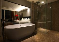 더 쇼어 호텔 앤 레지던스 - 멜라카 - 욕실