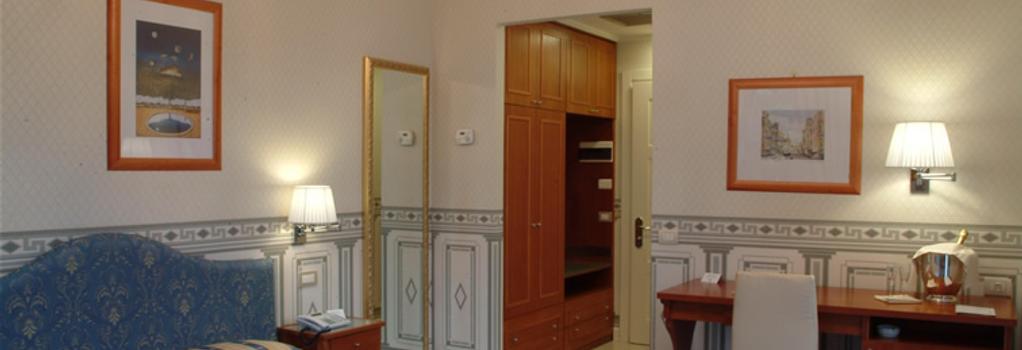 City Hotel Catania - 카타니아 - 침실