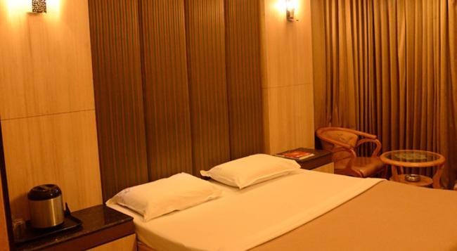 호텔 라무스 - Coimbatore - 침실